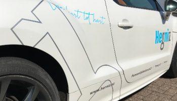 Autoreclame belettering Van Dijk Signmakers detail 2