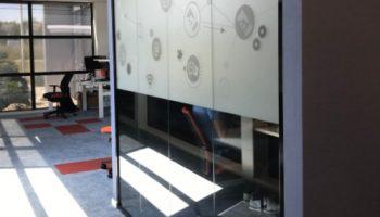 Indoor signing- folie glaswanden 2 - van dijk signmakers
